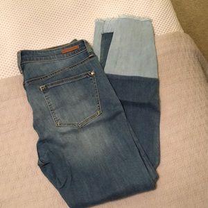 Anthropologie Pilcro Script frayed hem jeans